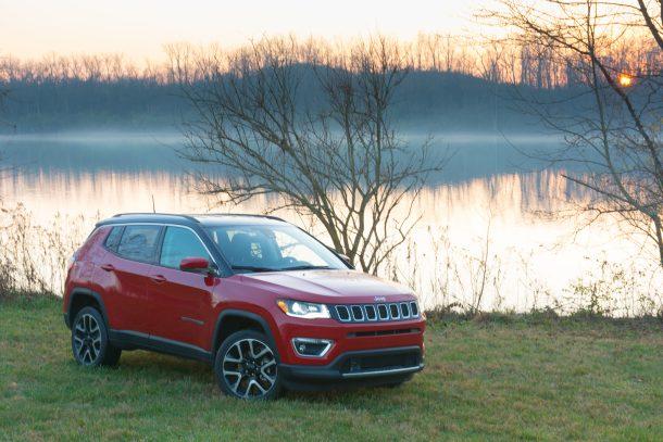 2017-Jeep-Compass-front-quarter-610x407