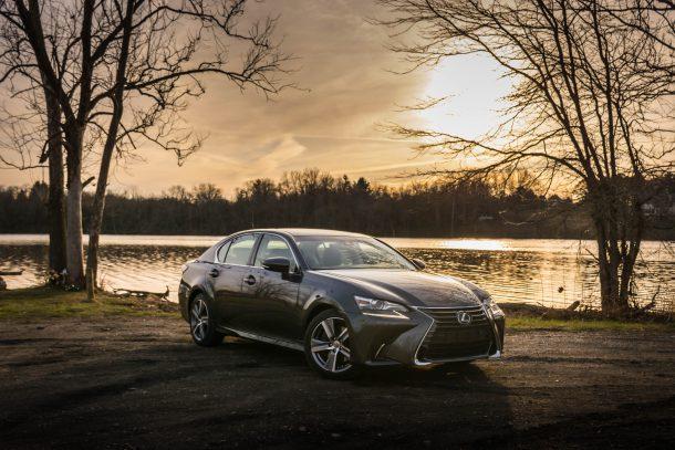 2017-Lexus-GS200t-5-of-11-610x407