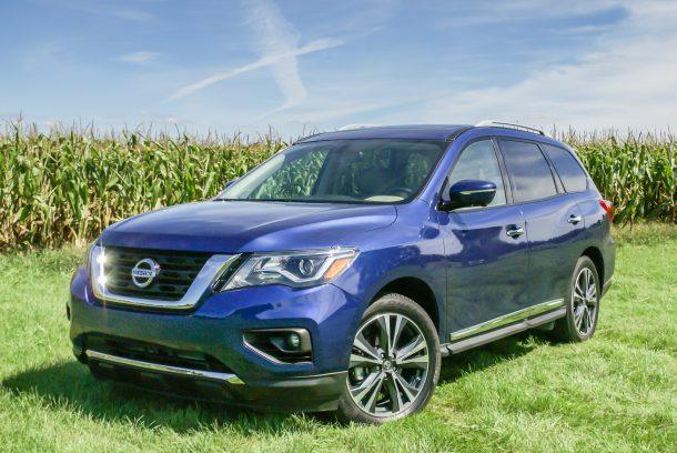 2017-Nissan-Pathfinder-3-of-6-610x408