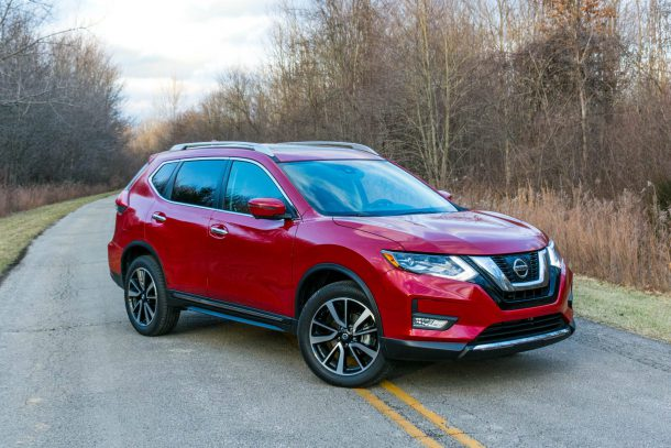 2017-Nissan-Rogue-SL-AWD-Palatial-Ruby4-e1486388485326-610x407