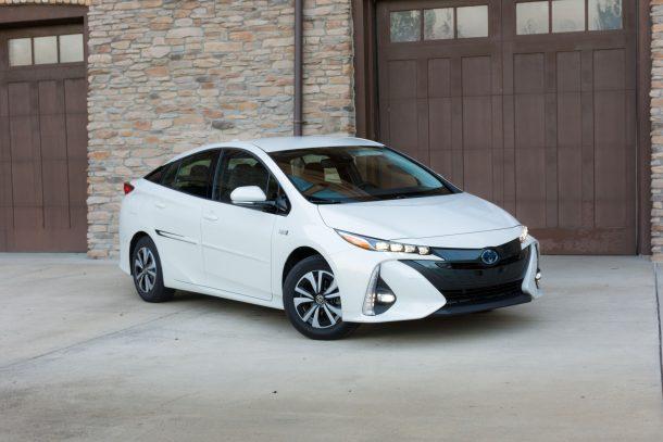 2017-Toyota-Prius-Prime-10-of-10-610x407
