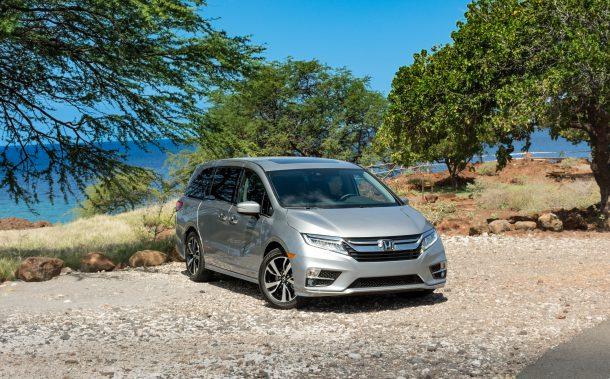 2018-Honda-Odyssey-Silver-Front-Quarter-610x379