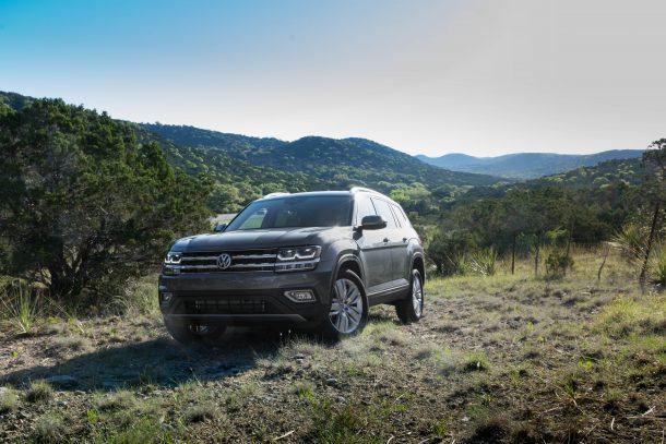 2018-Volkswagen-Atlas-1-of-2-610x407
