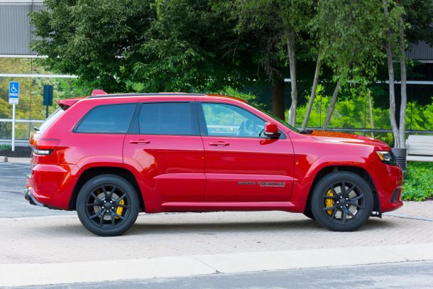 2018-Jeep-Grand-Cherokee-Trackhawk-profile-610x407